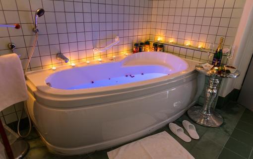 Penzion Alfa Poděbrady Wellness centrum_Perličková koupel