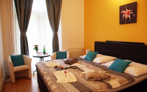 Penzion Alfa Poděbrady Dvoulůžkový pokoj Superior, Romantický pobyt