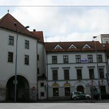 budova Rooms Novobranska
