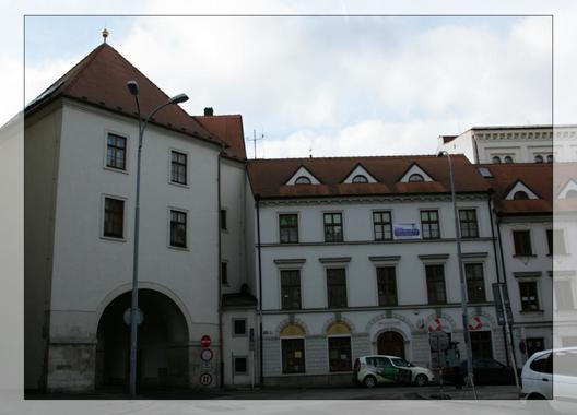 Rooms-Novobranská-/-Orlí-1