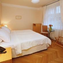 Hotel Palatin Karlovy Vary 46729124