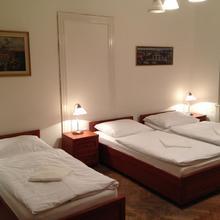 Apartments Kaprova Praha 35849898