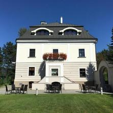Hotel Villa Nečas Žilina 42730934