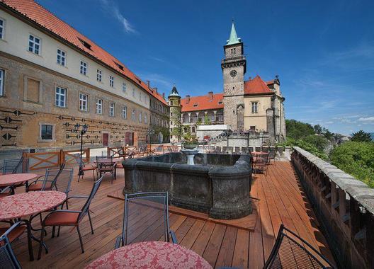 EA-Zámecký-Hotel-Hrubá-Skála-1