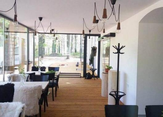 Rekovice---restaurace-&-lesní-hotel-18