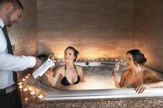 Spa Hotel Millenium-Karlovy Vary-pobyt-Wellness dámská jízda s TOP procedurami a drinky