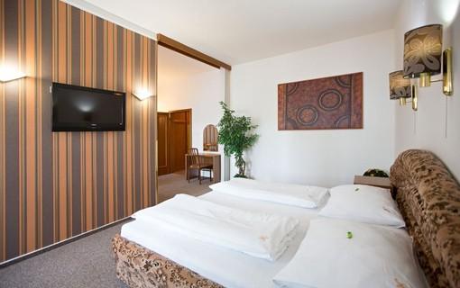 Dámská jízda-HOTEL RADNICE 1154435307