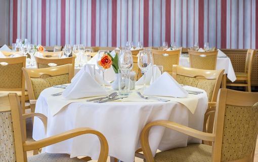 Hotel Akademie Naháč 1154106933