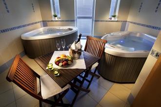 Hotel Akademie Naháč-Chocerady-pobyt-Romantika ve Wine&SPA na hotelu Naháč