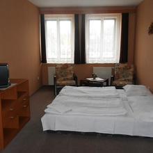 Hotel Ostaš Police nad Metují 44553052