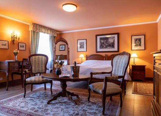 Hotel-Zámek-Štiřín-3