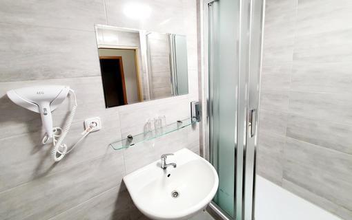 Hotel Relax Inn 1151702037