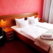 Hotel Relax Inn -Praha-pobyt-Relax na 3 noci se snídaní a privátním bazénem v hotelovém wellness