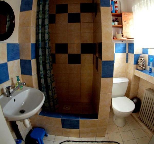 Přízemní ap.-koupelna