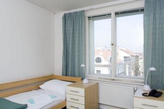Hostel Mikoláše Alše Praha 37018824