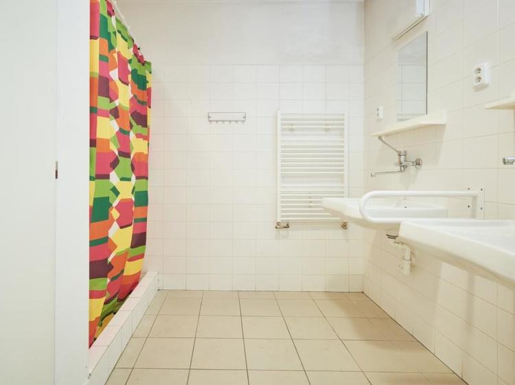 Turistický pokoj - koupelna
