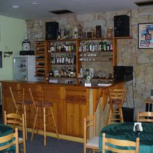 Bar, pro veřejnost otevřen v po, popř. dohodouí