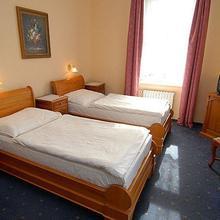 HOTEL OPERA Praha 37023342