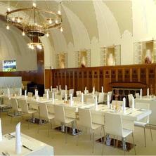 Hotel Okresní dům Hradec Králové 37546410