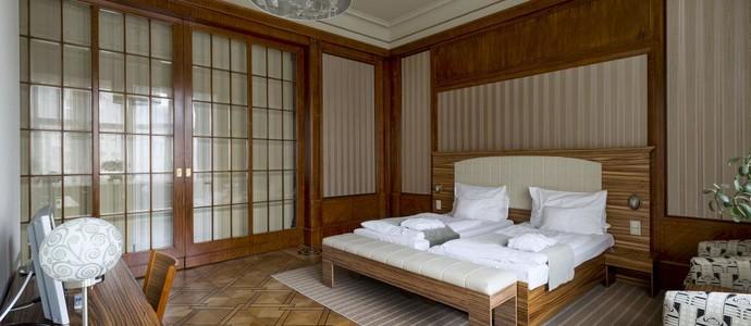 Hotel Okresní dům Hradec Králové 1124241710