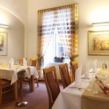 Hotel TRINITY Olomouc 37023886