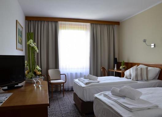 HOTEL-TENNIS-CLUB-8