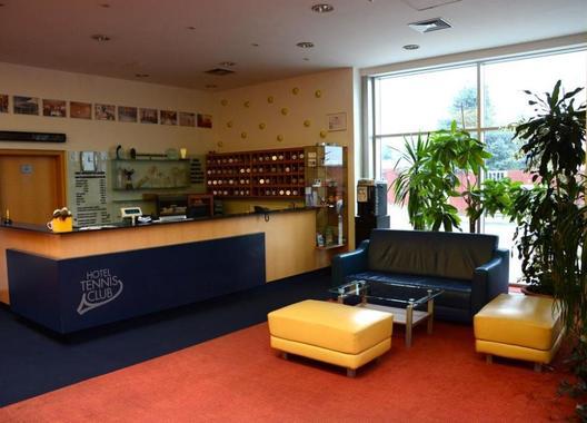 HOTEL-TENNIS-CLUB-2
