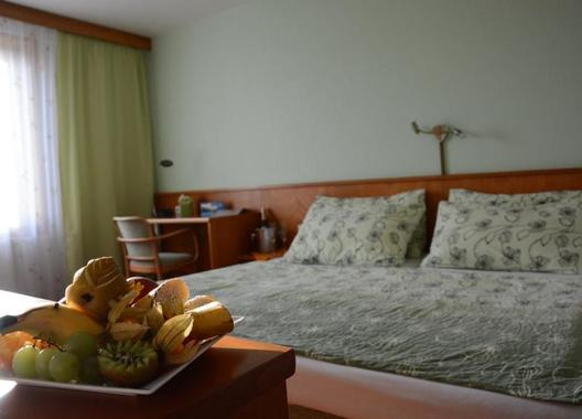 HOTEL-TENNIS-CLUB-10