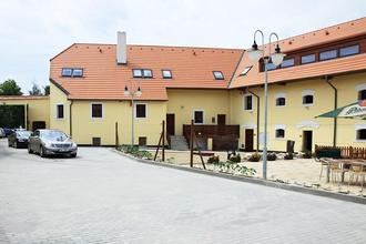 Hotel Pod Sluncem Třebíz 939973880