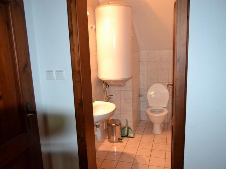 Společný záchod