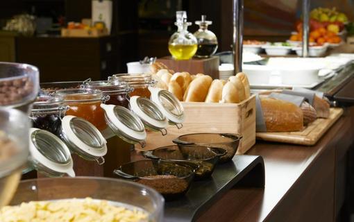 OREA Resort Devět Skal Vysočina snídaně v ceně