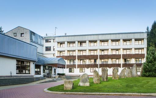 OREA Resort Devět Skal Vysočina parkoviště před hotelem zdarma