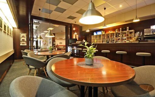 Hotel Adamantino SNACK bar v přízemí hotelu