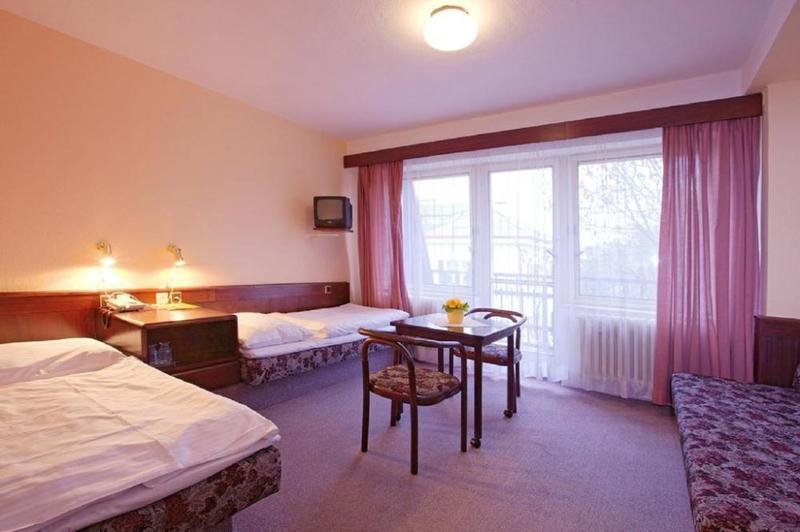 HOTEL FLORET 5