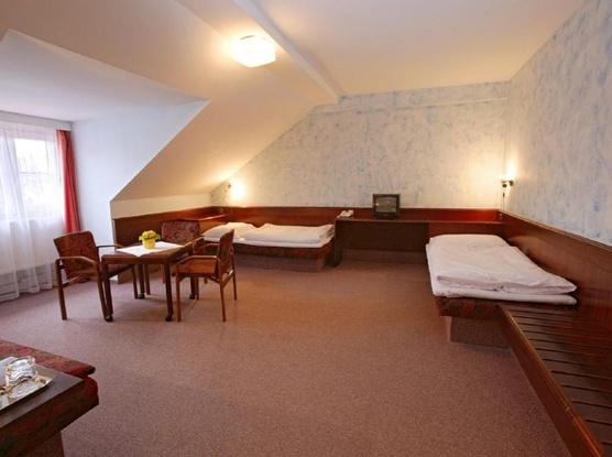 HOTEL FLORET 1155219439