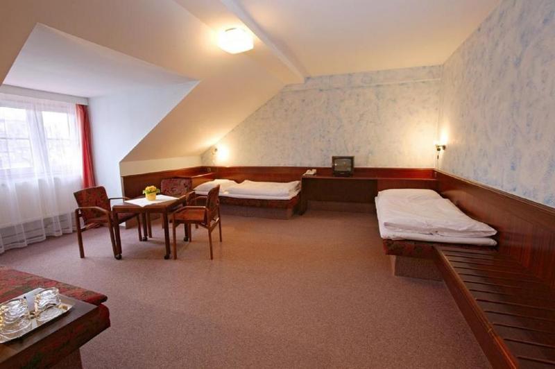 HOTEL FLORET 6