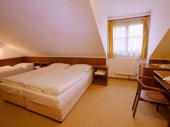 HOTEL FLORET 1155219435