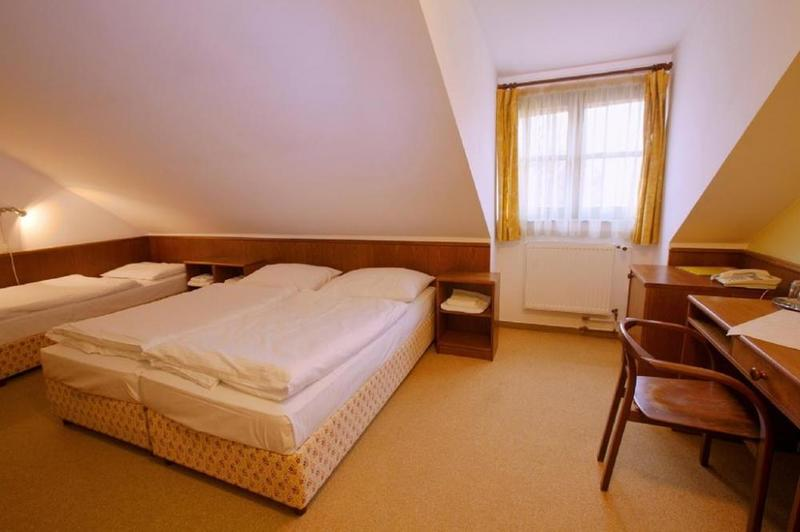 HOTEL FLORET 17