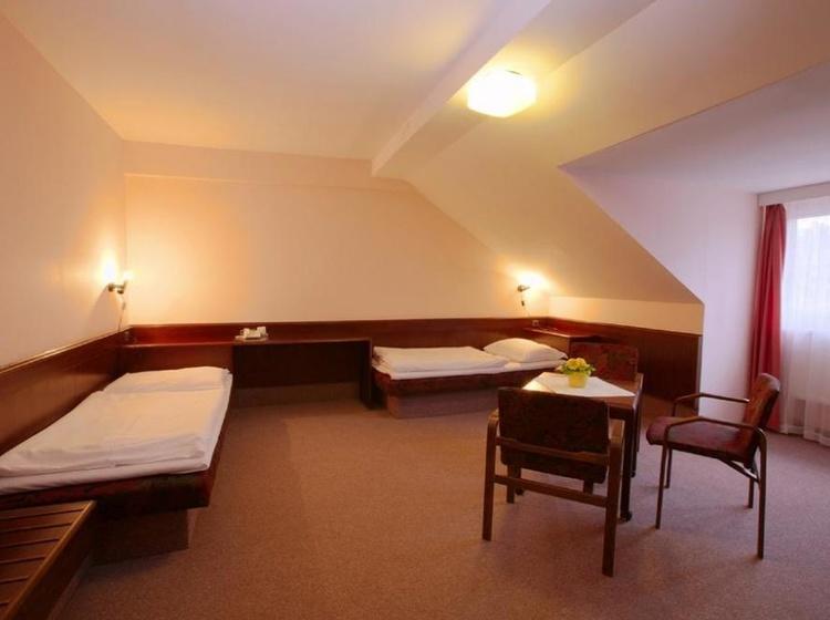 HOTEL FLORET 1155219469 2