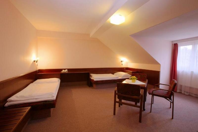 HOTEL FLORET 21