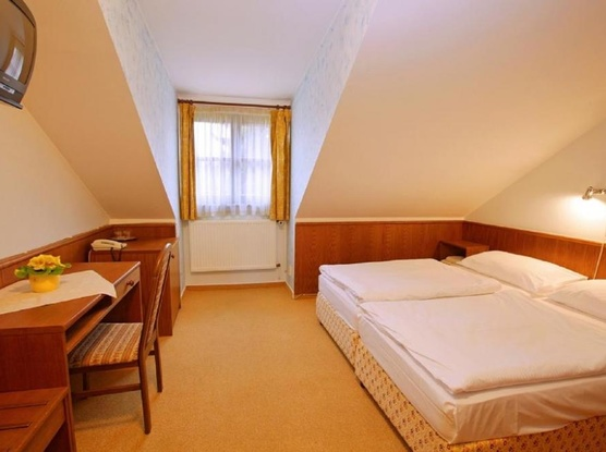 HOTEL FLORET 1155219473