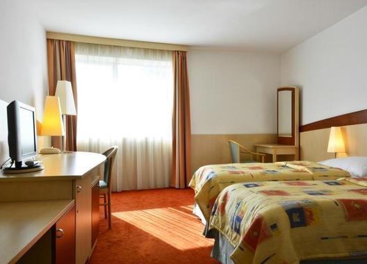 Hotel-Olympik-Artemis-4