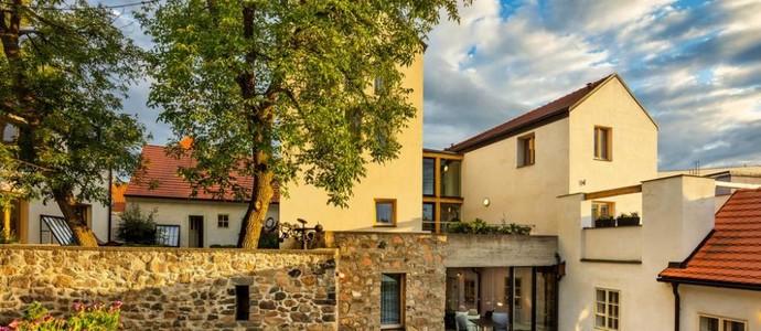 BELLEVUE HOTEL BENEŠOV Benešov