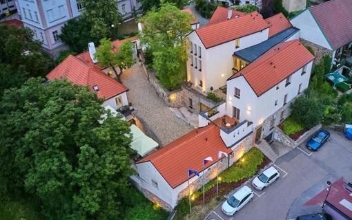 Romantika v Bellevue-BELLEVUE HOTEL BENEŠOV 1133612335