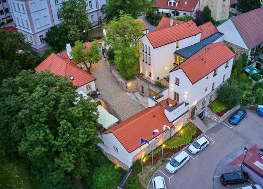 BELLEVUE-HOTEL-BENEŠOV-3