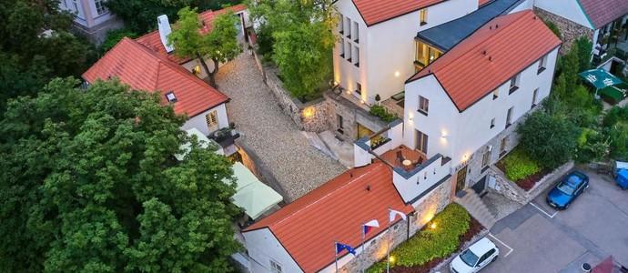 BELLEVUE HOTEL BENEŠOV Benešov 1124726247