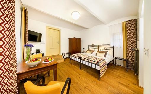 BELLEVUE HOTEL BENEŠOV 1133612339