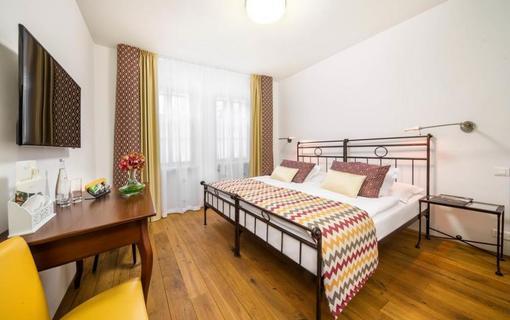 BELLEVUE HOTEL BENEŠOV 1133612355