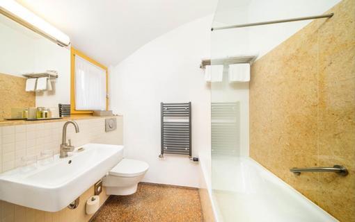 BELLEVUE HOTEL BENEŠOV 1133612371