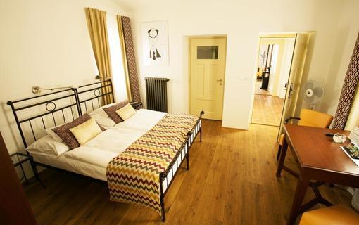 BELLEVUE HOTEL BENEŠOV 1133612359